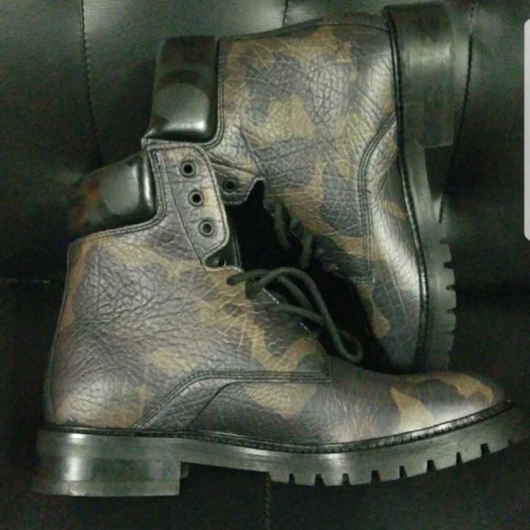 boots hugo boss man